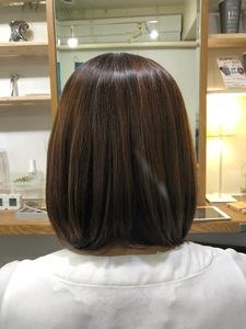 白髪染め、ハイライト、縮毛矯正の繰り返しのダメージ毛